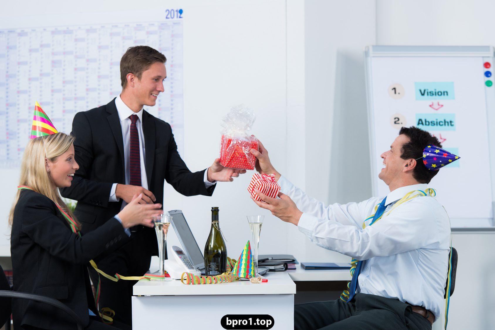 Поздравления с днем рождения шефу кратко